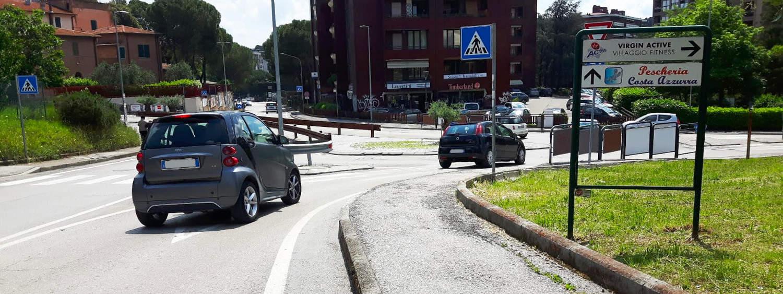 installazione-piantane-frecce-stradali